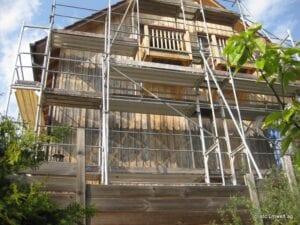 Holzfassade vor der Reinigung