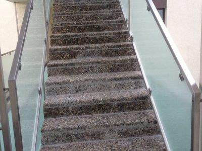 Treppe mit Versinterungen nachher