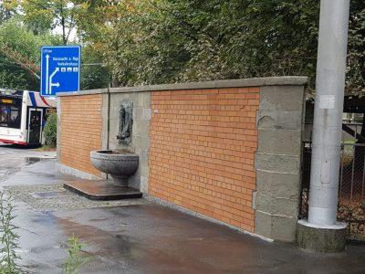 Denkmal Brunnen mit Sandstein und Klinker
